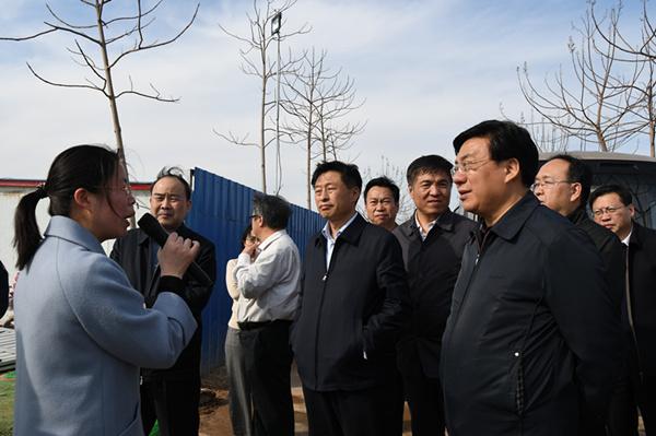 省政協領導調研我縣畜禽養殖廢棄物資源化利...