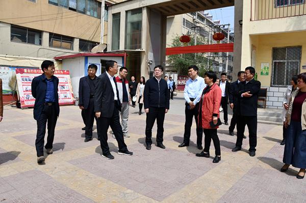 县委书记刘冰调研县职专和实验中学搬迁工作
