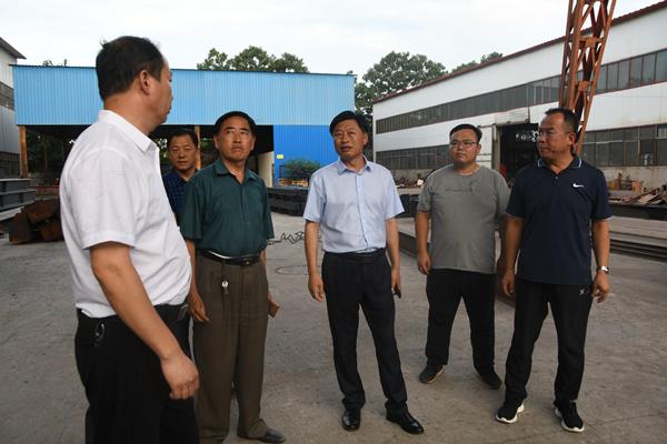 县委副书记、县长曹拥军专题调研安全生产及...