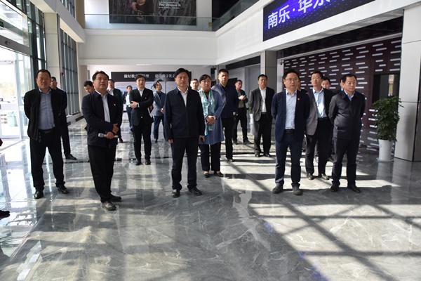 县领导曹拥军、梅兴秦调研重点项目建设工作